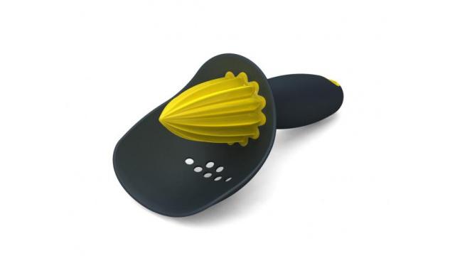 Odšťavovač so sitkom JOSEPH JOSEPH Catcher ™, sivý / žltý