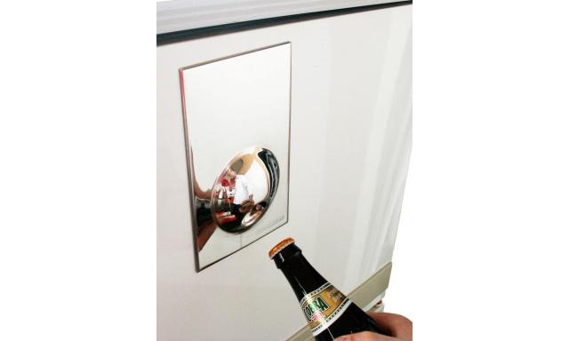 Magnetický otvárač na chladničku SUCK UK Fridge Magnet, nerezový